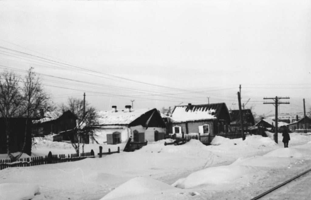 gku-ko-gako_fotofond_kniogoop_neg_d_206_l_1_ulica-leningradskaja-sejchas-ul_vesennjaja_1954.jpg